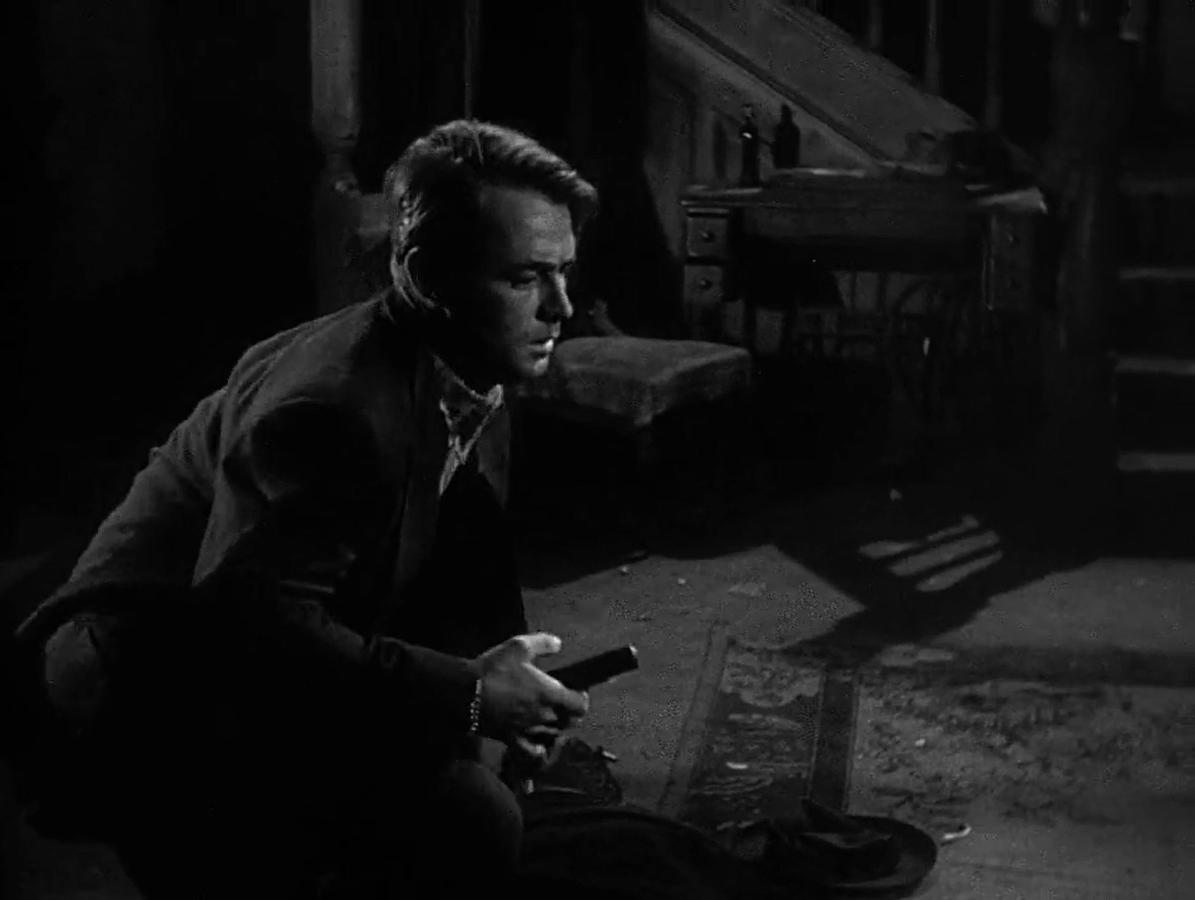 青い戦慄 (1946)