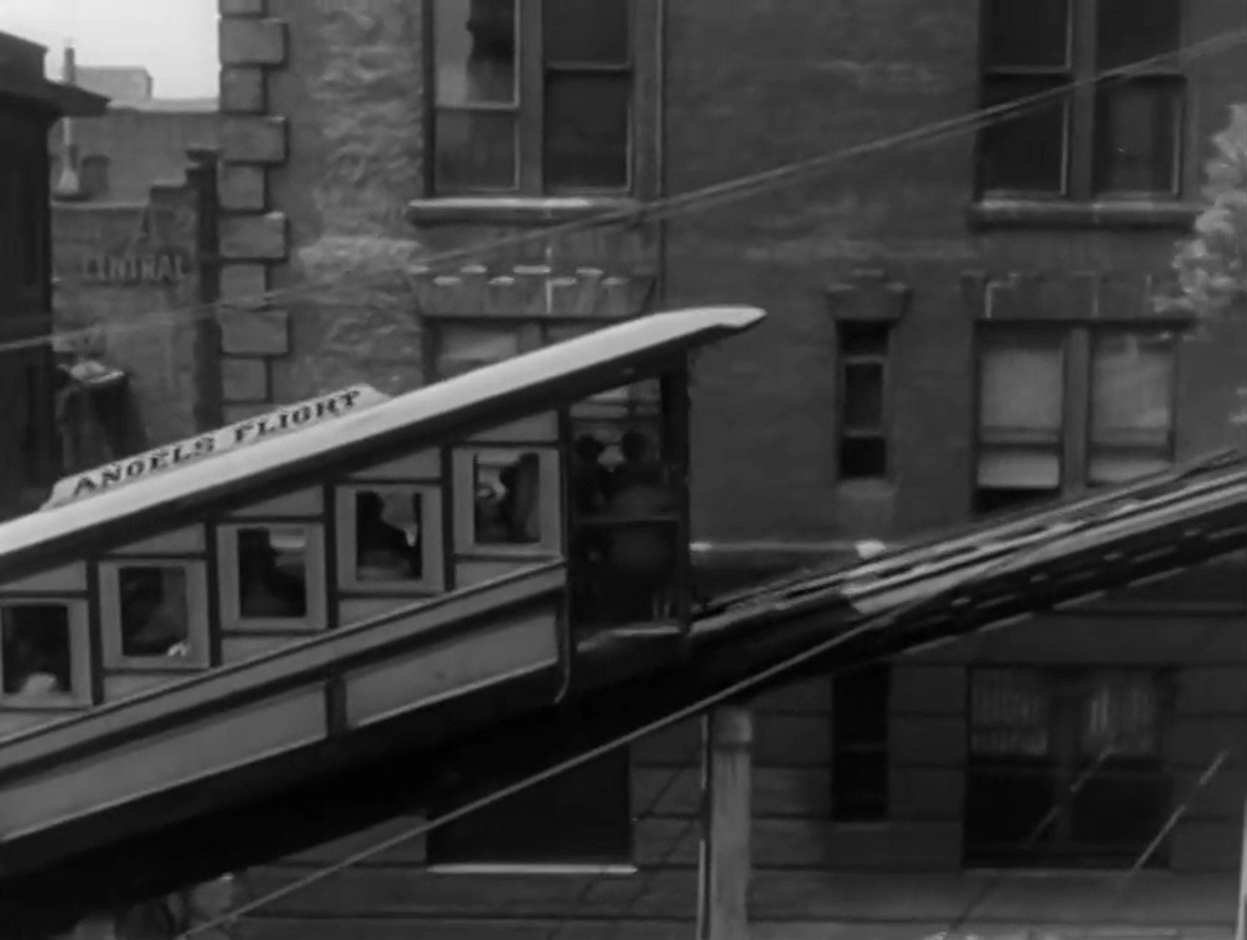 夜は千の目を持つ(1948)